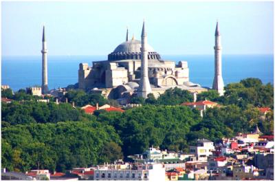 إسطنبول : تناغم الشرق و الغرب